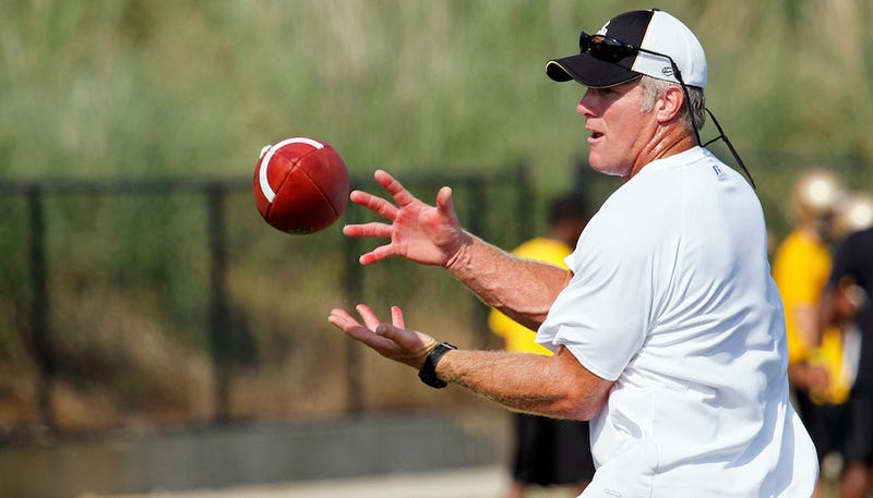 Report: The Rams Asked Brett Favre To Unretire