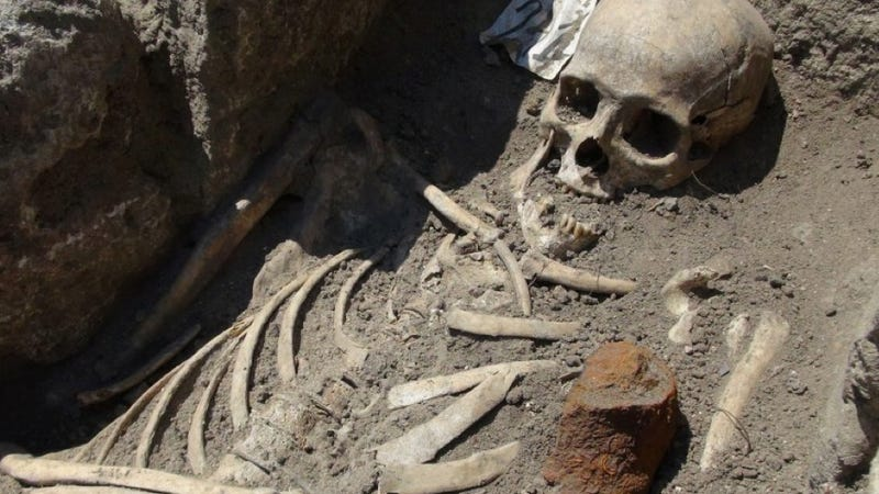 "Archaeologists exhume ""vampire"" skeletons in Bulgaria"
