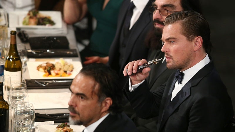 Here's Leonardo DiCaprio Vaping at the SAG Awards