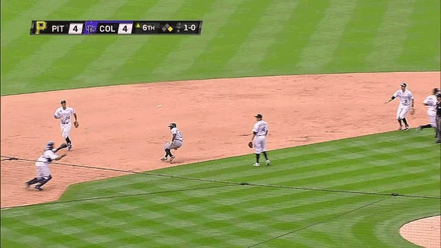 Josh Harrison Overshoots Second Base, Somehow Escapes Rundown