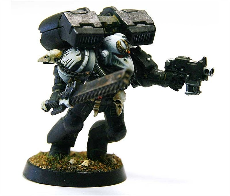 An Enormous Gallery Of Warhammer 40K Miniatures Painted To Within An Inch Of Their Lives