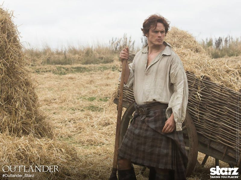 First pic of Ron D. Moore's Outlander is just a hot dude in a kilt