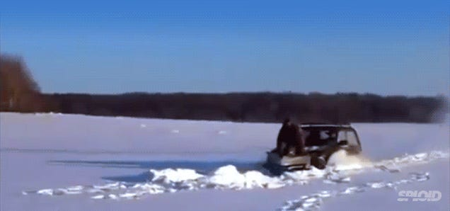 Russians build a snow plow out of a crappy car—and it works pretty well