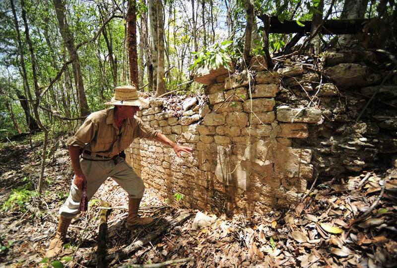 Descubren la ciudad Maya perdida de Chactún en una selva de México