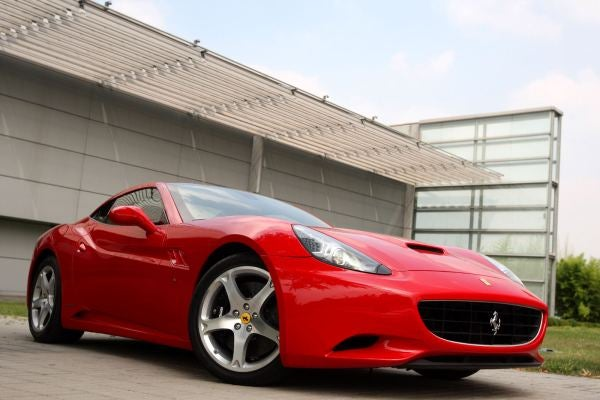 New Photos Reveal The 2009 Ferrari California In Glorious Detail