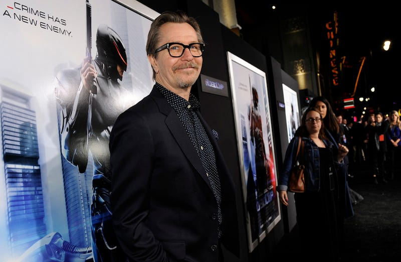 """Take a Fucking Joke"": Gary Oldman Defends Mel Gibson, Alec Baldwin"