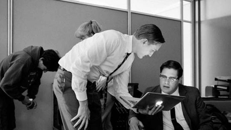 Black and White Behind-The-Scenes Photos Make Retro Mad Men Even Retro-er