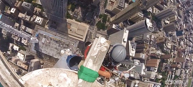 Watch these guys remove the antenna atop the John Hancock Center