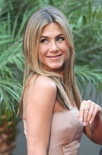 Aniston Pulls The Old Switcheroo!