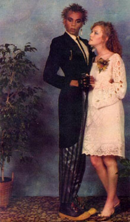 Omigod! Omigod! Omigod! It's Ru Paul's Prom Picture!