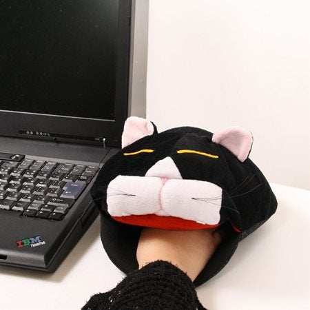 PC Gamers, Never Get Cold Hands Again with this Silly Cat