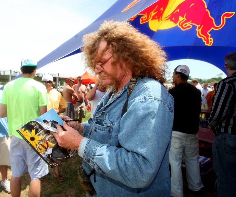 Preakness Infield Exposé: I See The Blush Upon Thy Ass Cheeks, Maryland!