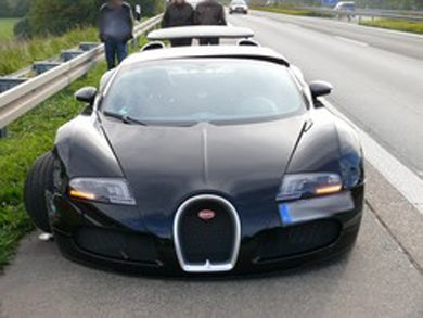 $2.3M Bugatti Veyron Crashes, Causes $550K In Damage