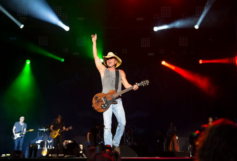 25 People Taken to Hospitals After Sustaining Intoxication-Related Injuries at a Kenny Chesney Concert