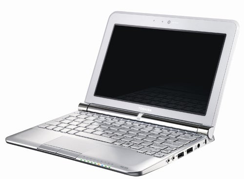 Toshiba Harnesses Pine Trail For 10-Inch NB300 and NB305 Netbooks