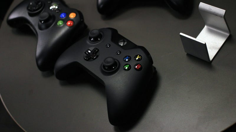Xbox One Controller Hands On: Rumbling Triggers Are Freaking Awesome