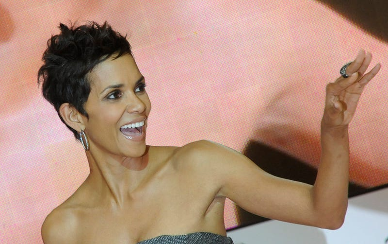 Halle Berry Hurt on Movie Set, Rushed to Hospital [UPDATE]
