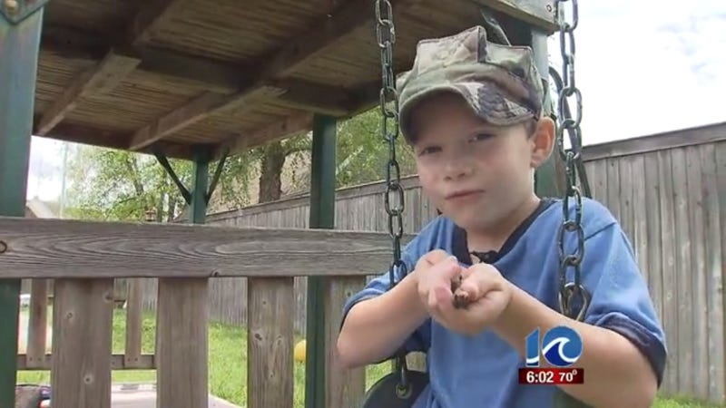 Boy Pretending to Be a Marine Suspended from School for 'Pencil Gun'