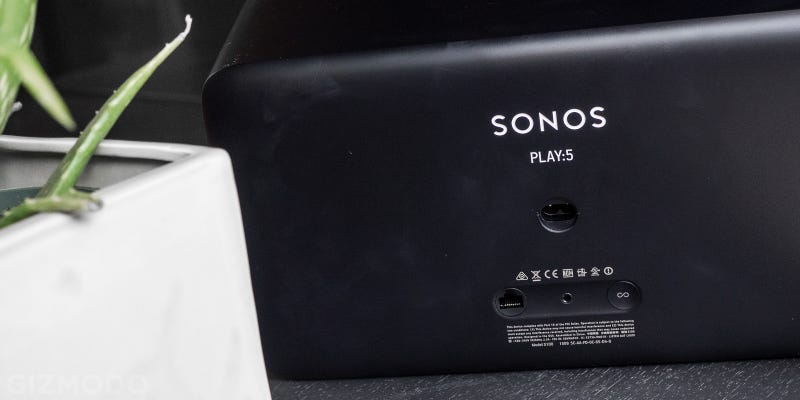 sonos play 5 review wireless music made elegant. Black Bedroom Furniture Sets. Home Design Ideas