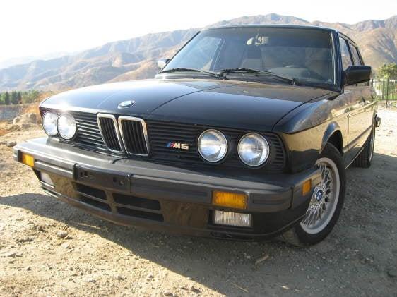 1988 BMW E28 M5