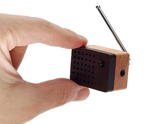Motz Mini FM Radio Is a Serious Choking Hazard