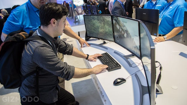 I Want Samsung's First Curved Monitor (To Be More Awesome)