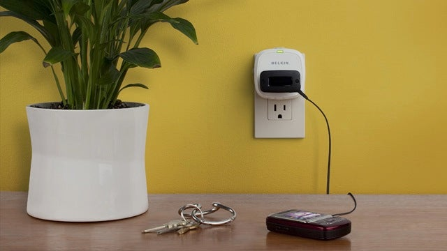 Conserve Socket Automatically Shuts Off Charging Devices After a Specified Charging Time