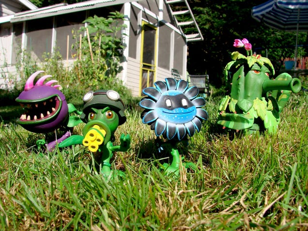 The Plants Vs. Zombies: Garden Warfare Action Figures are Coming ...