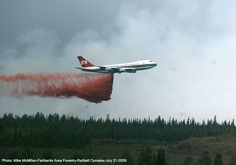 US Government Planning to Use Boeing 747 Supertanker to Clean Cities After Nuclear, Biological Attacks
