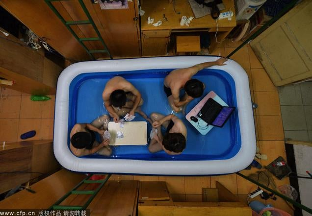 Every Dorm Room Should Come With an Inflatable Pool