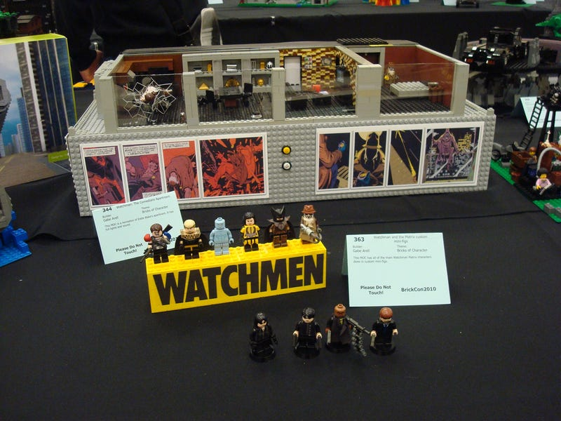 Watchmen, the Space Jockey from Alien, and Stephen Hawking à la Lego