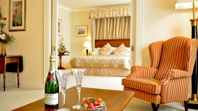 Inform Hotels of Special Occasions Ahead of Time to Score Free Perks