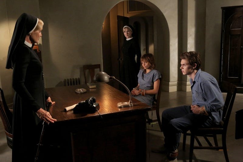 American Horror Story - 2.04 Promo Photos