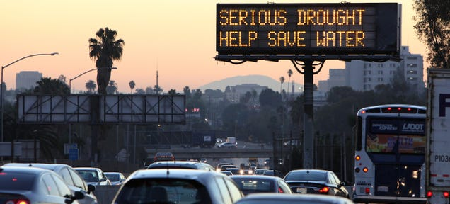 Rich People Are Trucking Their Own Water Into Drought-Ridden California