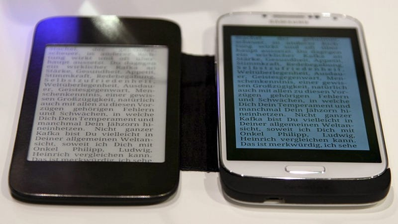 E-Ink Smartphone Flip Covers Are a Wonderful Idea