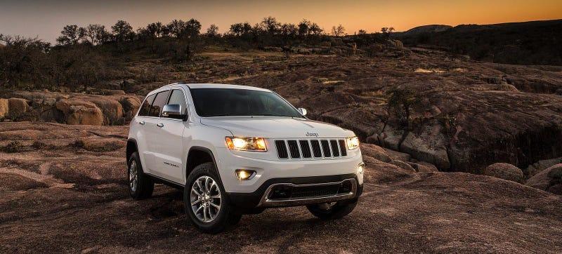 Chrysler Recalls 895,000 SUVs After 62 Fires