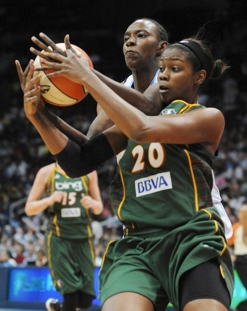 WNBA Thighlight: Little On Lyttle