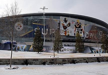 Falling Ice At Cowboys Stadium Causes Serious Injuries