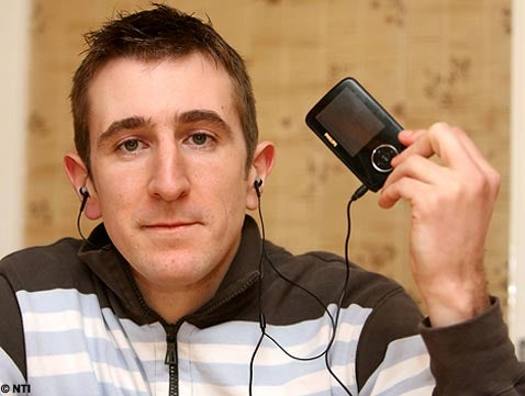Police Take Down Dangerous Perp Armed With a Philips MP3 Player