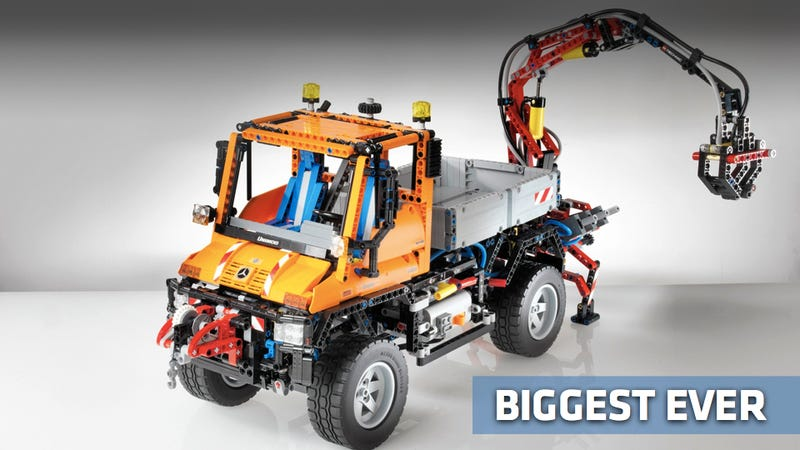 The largest LEGO Technic ever is a Unimog