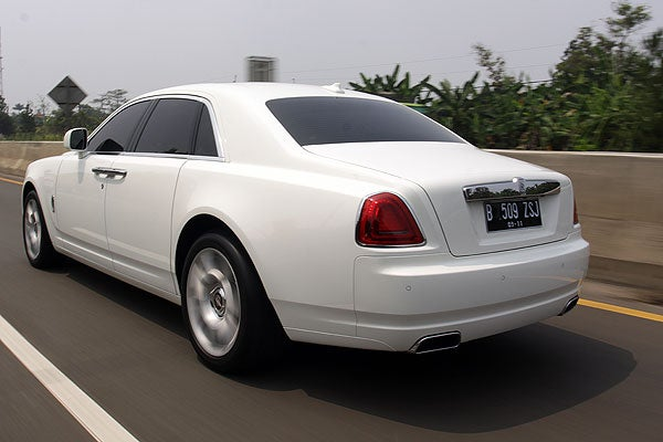 Living In Indonesia, Series one: Rolls-Royce