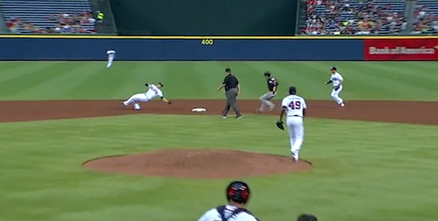 Andrelton Simmons Makes Another Superhuman Defensive Play