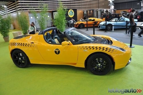 Tesla Roadster Taxi