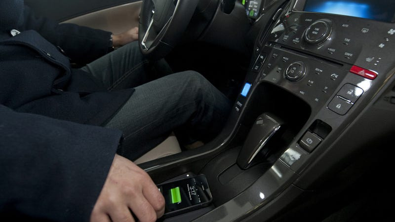 Wireless Smartphone Charging In Your Car Is The Next Big Thing