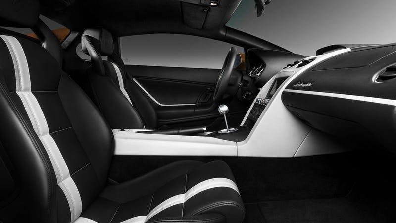Lamborghini will give the Gallardo a proper, ass-kicking sendoff