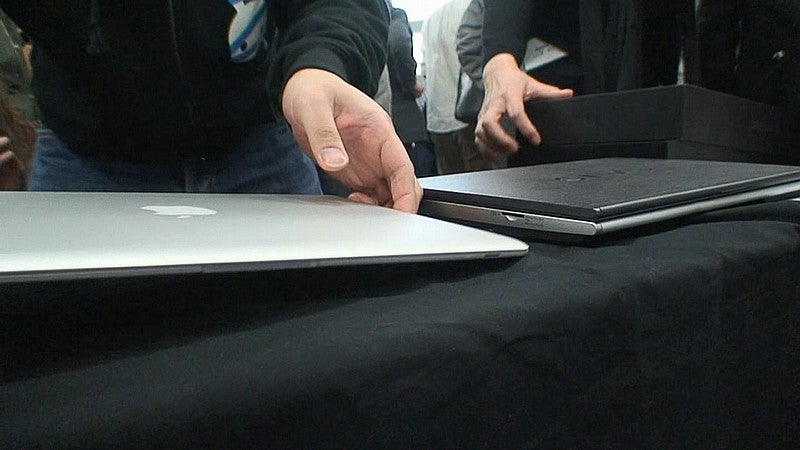 MacBook Air Unboxed, Compared to Sony VAIO
