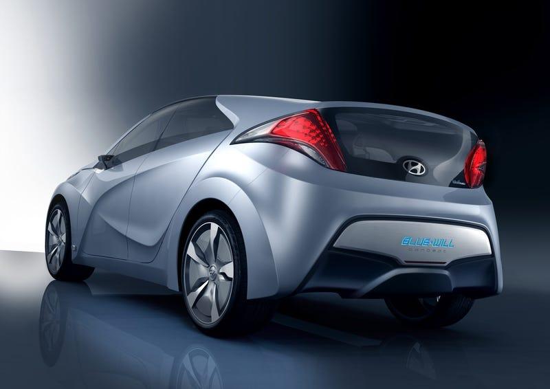 Hyundai BLUE-WILL Concept: The Korean Prius Fighter
