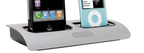 Griffin PowerDock is Two iPods At the Same Time, Man