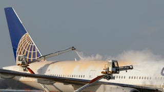 How And Why We 'De-Ice' Aircraft Before Takeoff