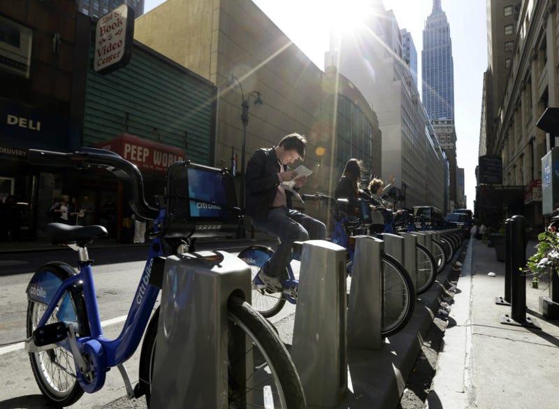 Old, Addled WSJ Board Member Flips Out Over NYC's Bike-Sharing Program